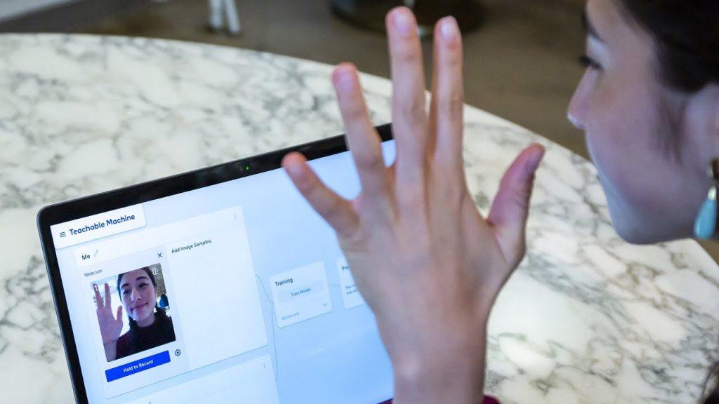 Webcam model website reviews in Spanish